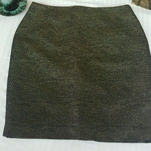 Gold and black mini skirt!